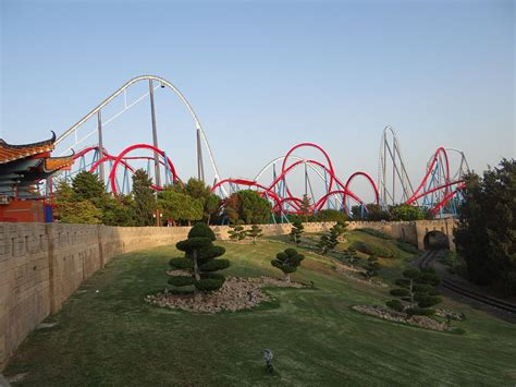 theme park wikipedia dragon khan wikipedia