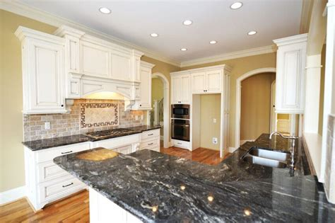 white kitchen cabinets black granite countertops 36 inspiring kitchens with white cabinets and dark granite