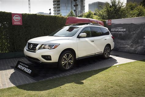 nissan pathfinder 2017 white 2017 nissan pathfinder makes world debut during