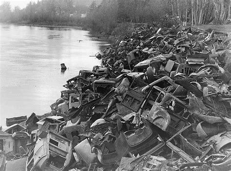 Salem Oregon Records Automobiles Willamette River West Salem