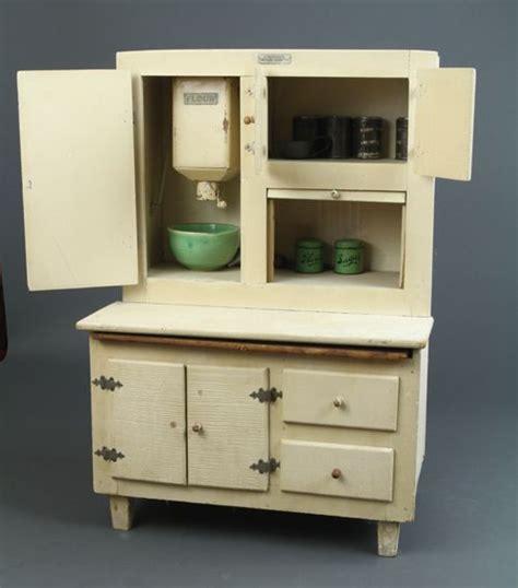 schoenhut kitchen cabinet showing  working flour