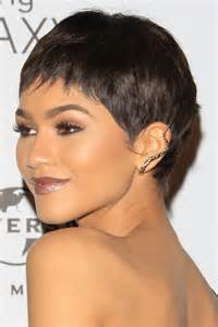 Pixie Haircuts With Bangs – 40 Terrific Tapers