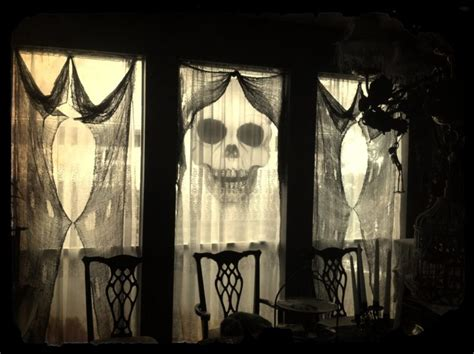 halloween decoration ideas to make at home 35 ideas to decorate windows with silhouettes on halloween