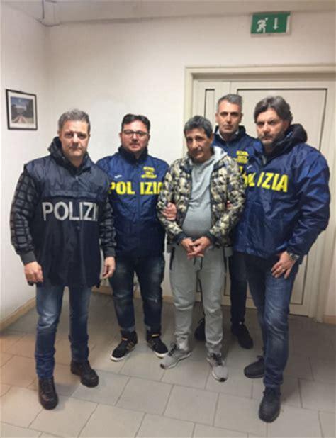 squadra mobile napoli arrestato lontano da napoli 53enne deve scontare 10 anni