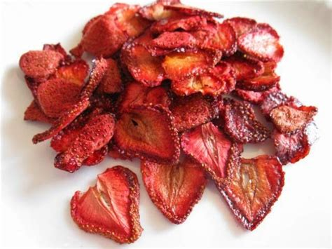 dried strawberry chips recipe yumm pinterest