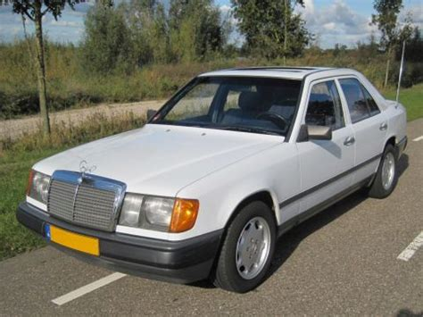 mercedes benz w123 series 200d 240d 240td 300d 300td car service verbruik mercedes 200d 1985