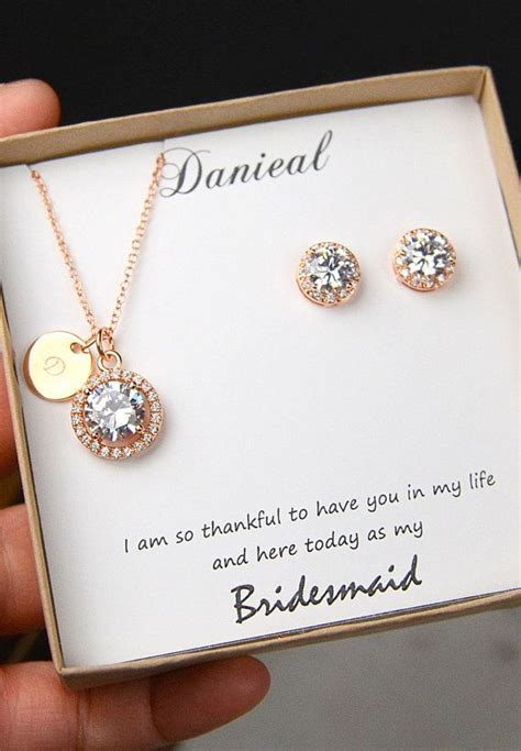 Wedding Gift Jewelry Ideas by 25 Best Ideas About Bridesmaid Gift Boxes On