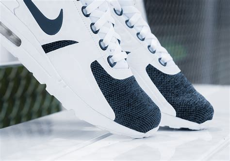 white pattern nikes nike air max blue and white pattern www imgkid com the