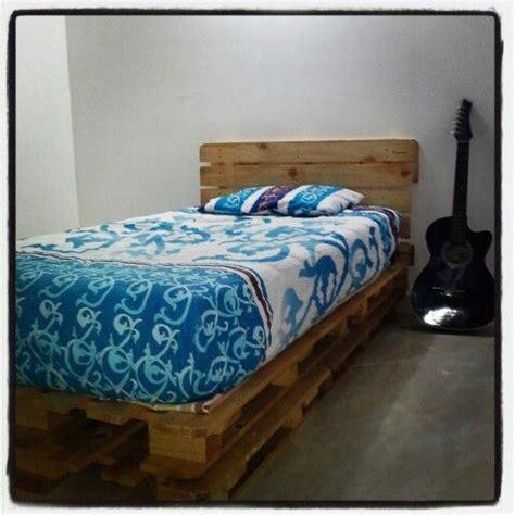 cama con estibas camas en estibas radiata deco radiata deco instagram