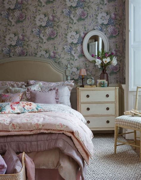bedroom flower wallpaper 40 beautiful wallpapers for a spring bedroom decor