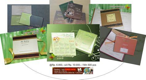 undangan pernikahan bonus dan daftar katalog souvenir kita