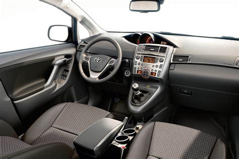 Auris Hybrid Interior Toyota Verso Interieur