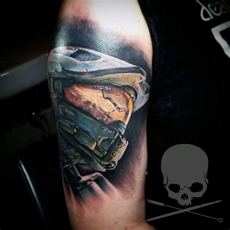 master chief tattoo best 25 halo ideas on halo halo sword