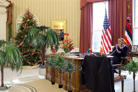 obama s oval office president obama s hawaii vacation 2016 aloha mr president