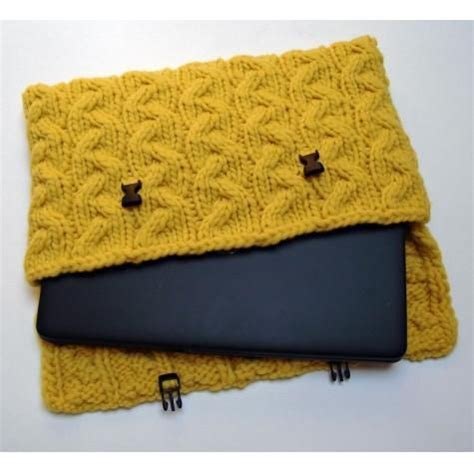 how to knit a laptop sleeve 1000 ideas about crochet laptop sleeve on