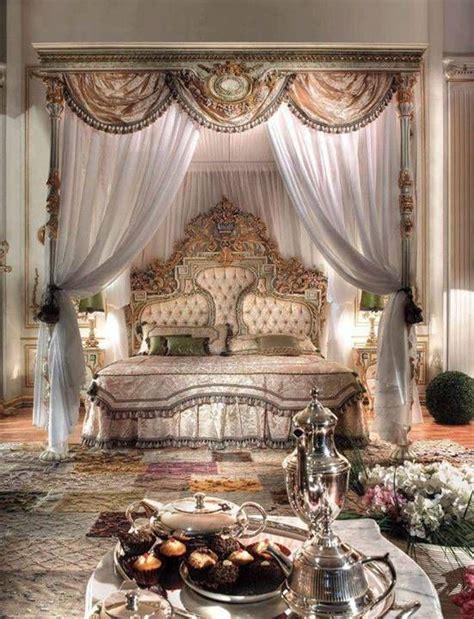 OMG, Luxury bedroom. Imagine feeling royal every night