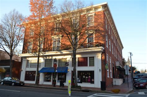 fredericksburg virginia shopping and restaurants