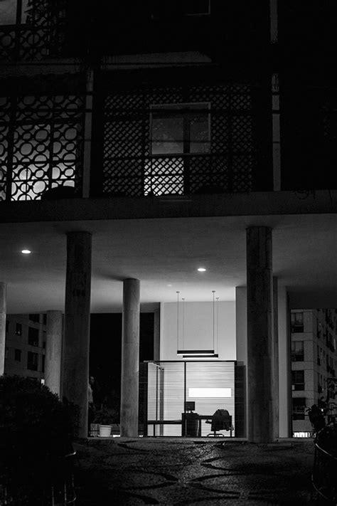 A força da pequena escala, na arquitetura de dois abrigos