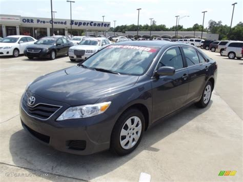 Grey Toyota Camry 2011 Magnetic Gray Metallic Toyota Camry Le 65753122