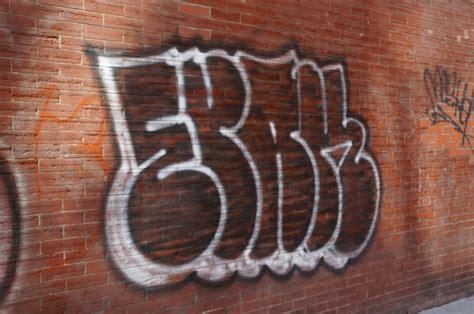 toronto graffiti   photo essay paperblog