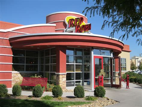Red Robin Sweepstakes - red robin rewards royalty members with 20 off lunch