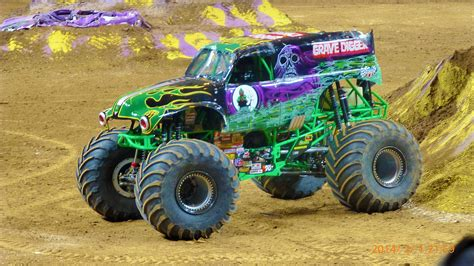 grave digger monster truck song expect lots of casualties at monster jam 174 houston press
