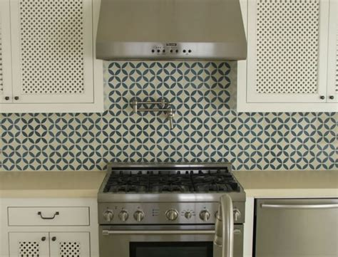 moroccan tile kitchen backsplash happy habitat moroccan tile patterns