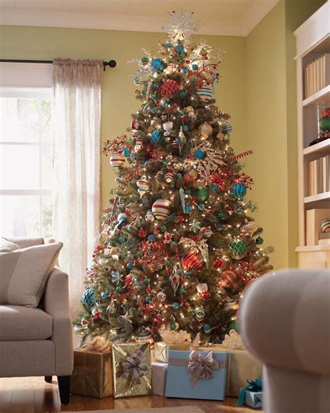 christmas tree with martha stewart living ornaments work