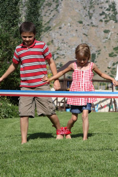 backyard picnic games 25 best ideas about family picnic games on pinterest