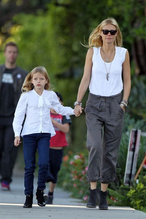 chris martin and gwyneth paltrow kids gwyneth paltrow photos photos gwyneth paltrow and chris