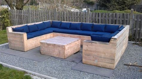 pallet outdoor couch pallet outdoor furniture plans recycled things