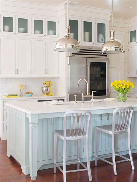 coastal style house kitchen