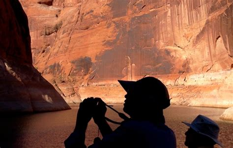lake powell private boat tours travel photo exploring lake powell s navajo canyon walls