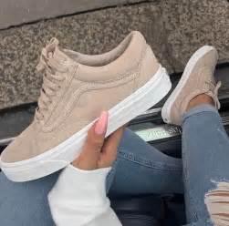 Light Pink Nikes 25 Best Ideas About Old Vans On Pinterest Vans U
