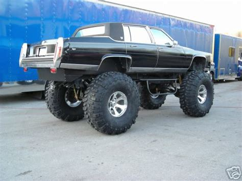 ghetto jeep who has the pics of obama s new limo snowest snowmobile