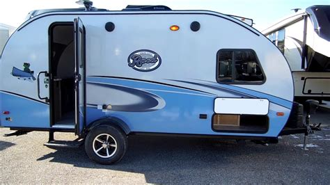 jeff couch s rv nation 2017 1 2 r pod 179 trailer at couch s rv nation a rv wh