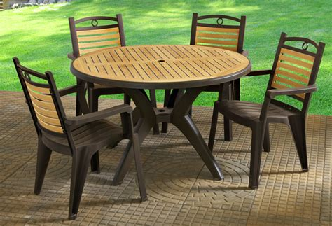 Patio And Deck Furniture Grosfillex Plastic Patio Table And Chairs