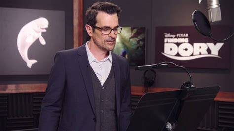 ty burrell dory finding dory ty burrell quot bailey quot behind the scenes voice