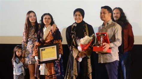 film marlina the murderer in four acts tempo news marlina wins best film award at tempo film