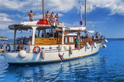 boat trip greece islands 7 things greek people do best best of greece