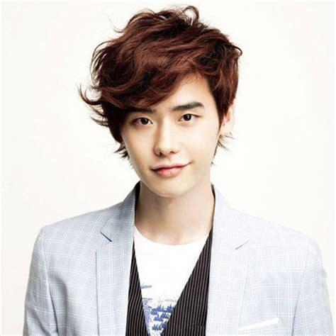 biography of korean actor lee jong suk lee jong suk bio married net worth show movie drama