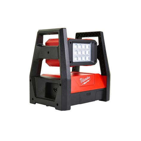 milwaukee m18 led work light milwaukee trueview m18 hal led area light on site tools