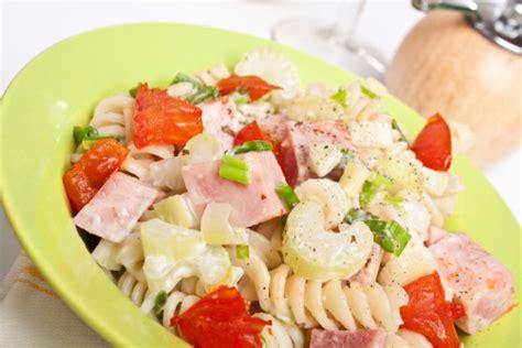 ricette sedano cotto l insalata di pasta con prosciutto cotto e sedano