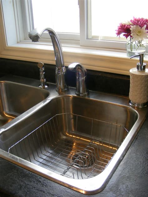 How To Make Your Kitchen Sink Shine The Complete Guide To Imperfect Homemaking How To Clean And Shine Your Sink Naturally
