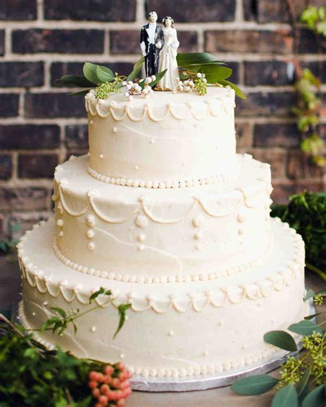 29 Wedding Cakes with Vintage Vibes   Martha Stewart Weddings