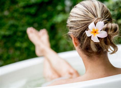 Detox Relax by 6 Detox Baths To Cleanse Relax And Rejuvenate You
