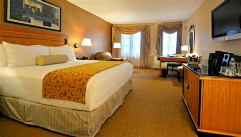 square foot of a room rooms suites the inn at great neck