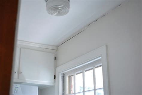 Filling Cracks Between Wall And Ceiling by How To Fill A Wall So It Doesn T Come Back