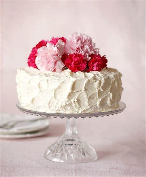 easy wedding cake ideas decorate a simple wedding cake handmade wedding emmaline