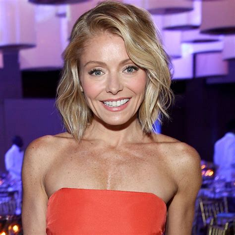 krlly tipa have thick hair kelly ripa is now rocking another rainbow hair color